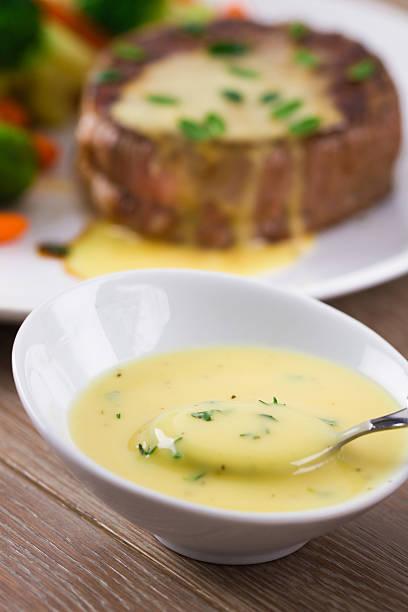 sauce bearnaise - sauce bernaise stock-fotos und bilder