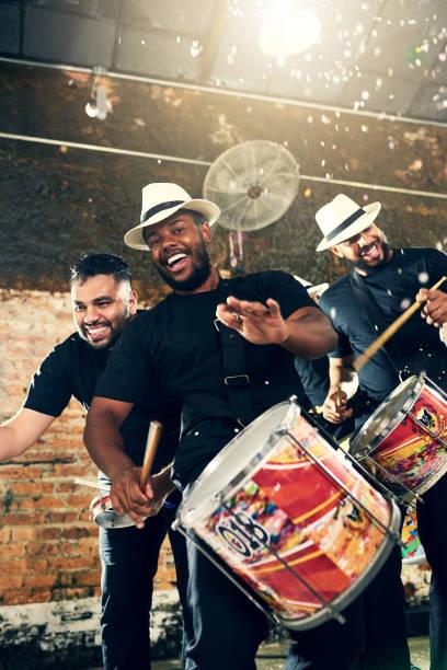 beats of brazil - samba imagens e fotografias de stock