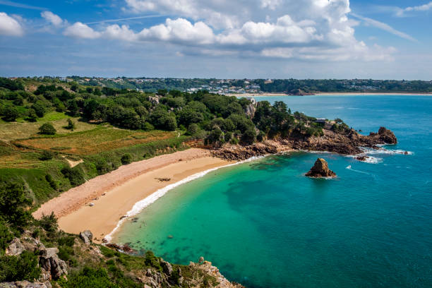 beauport beach, st aubin, jersey, channel islands - english channel stock pictures, royalty-free photos & images