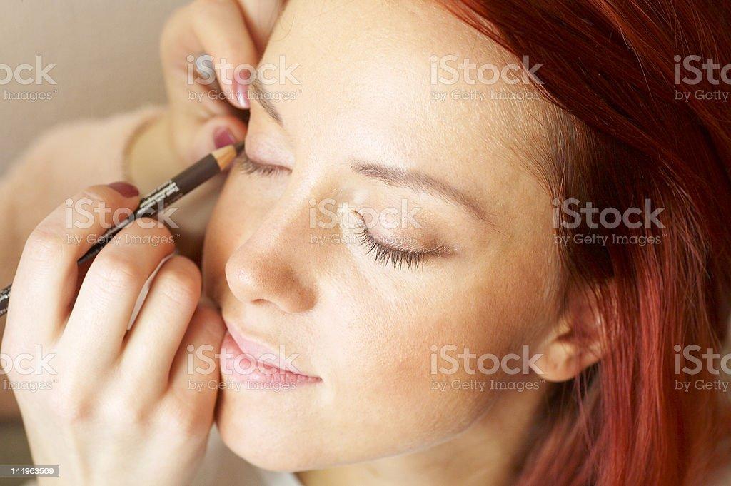 미용사) 는 화장 레드 스타일의 여자 스톡 사진