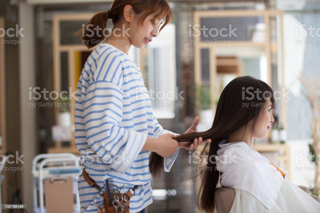 美容師と客 ストックフォト