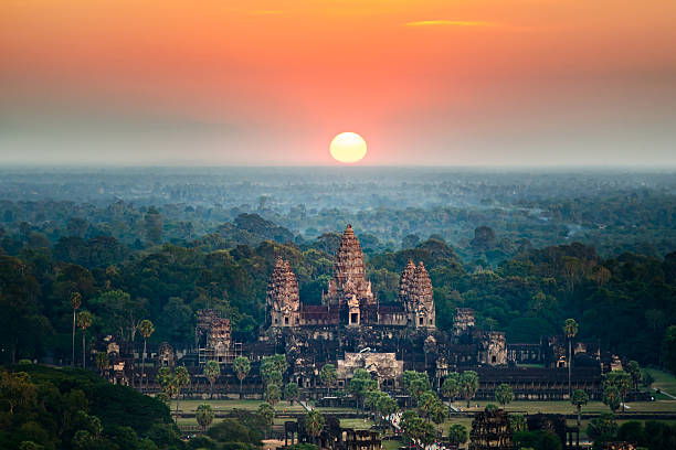 beautiful aerial view  of angkor wat at sunrise ,cambodia - 인도차이나 뉴스 사진 이미지