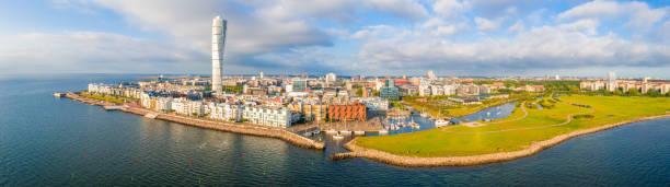 vacker flygvy över vastra hamnen (västra hamnen) i malmö. - malmö bildbanksfoton och bilder