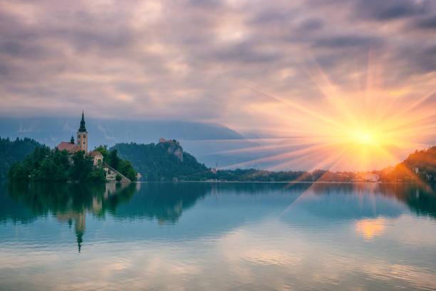 beautiful alpine lake, nature landscape, bled, alps, slovenia - ferragosto foto e immagini stock