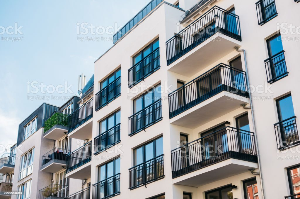 schöne und saubere Wohnung Gebäude - Lizenzfrei Architektur Stock-Foto