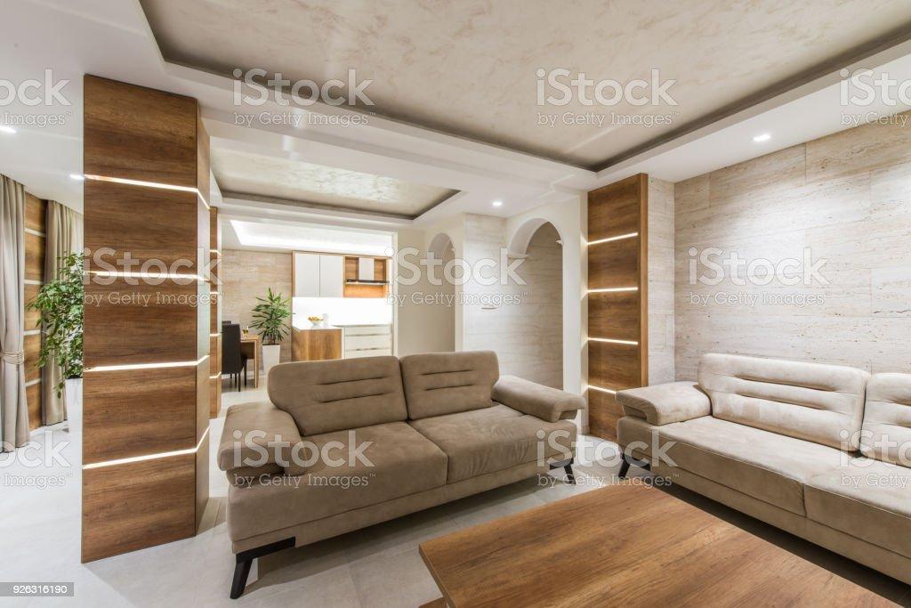 Schöne Und Große Wohnzimmer Interieur Stockfoto und mehr ...