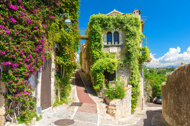 Beautiful architecture in Saint Paul de Vence in Provence, south France Amazing medieval town in south France provence alpes cote d'azur stock pictures, royalty-free photos & images