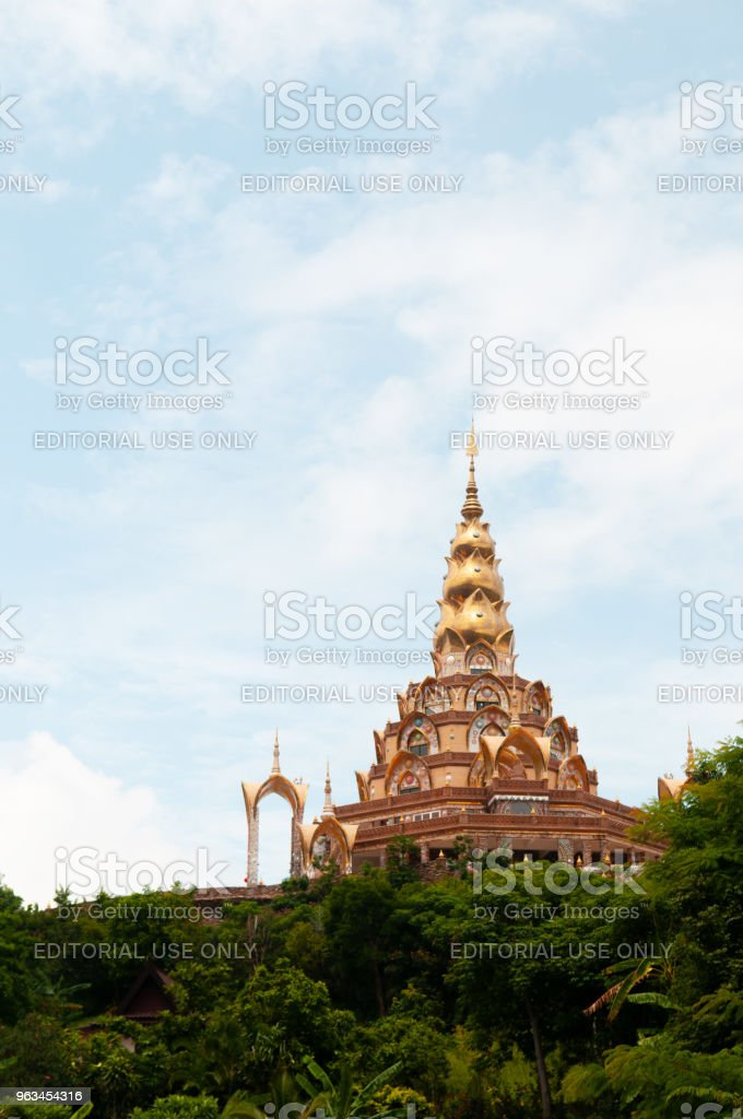 Beautiful architecture of Wat Pha Sorn Kaew (Wat Phra That Pha Kaew) in Khao Kho, Phetchabun, Thailand - Zbiór zdjęć royalty-free (Architektura)