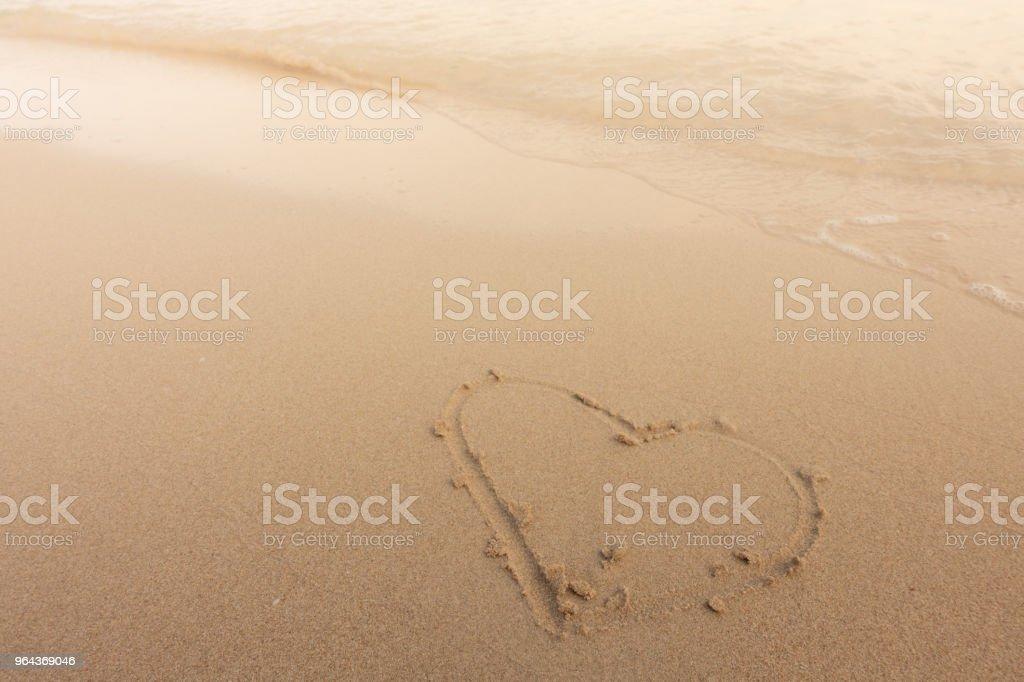 Praia de fundo bonito com coração no verão - Foto de stock de Amor royalty-free