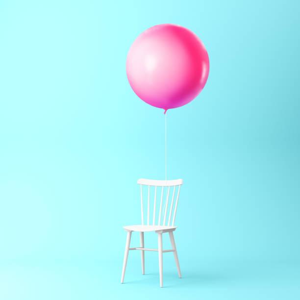 schöne ballon rosa mit stuhl-konzept auf pastell blau hinterlegt. minimale idee konzept. eine idee kreativer arbeit innerhalb einer werbung marketing kommunikation oder grafik-design zu produzieren. - popmusiker stock-fotos und bilder