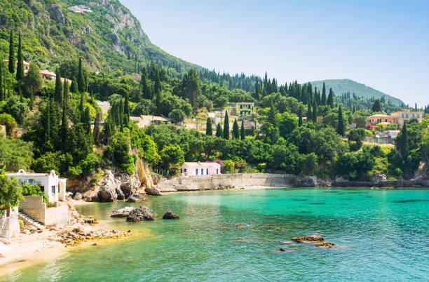 아름 다운 베이 레 오카스 트리 차 코르푸 섬, 그리스 - 이오니아 해 뉴스 사진 이미지