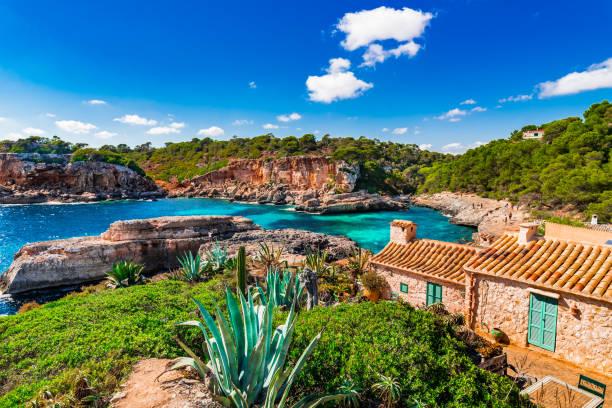 Magnifique baie de Cala S'Almunia à l'île de la côte de Majorque, Espagne-Méditerranée - Photo