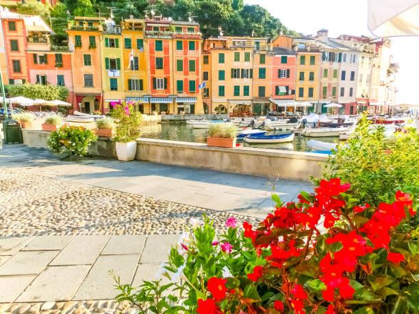Schöne Bucht mit bunten Häusern in Portofino, Ligurien, Italien – Foto