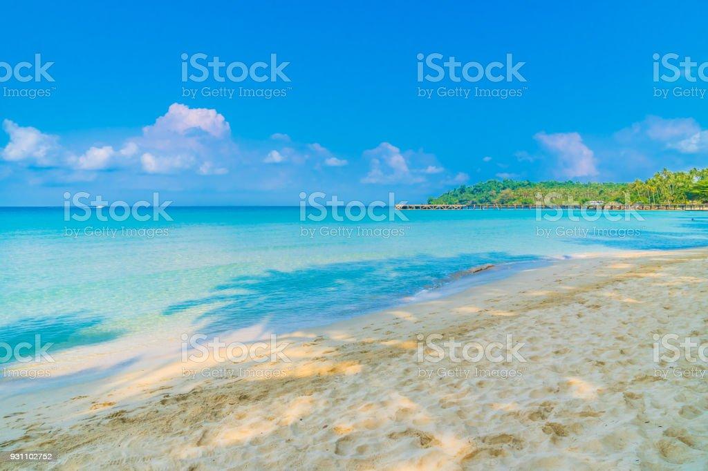 Güzel bir plaj ve deniz - Royalty-free Dalga Stok görsel