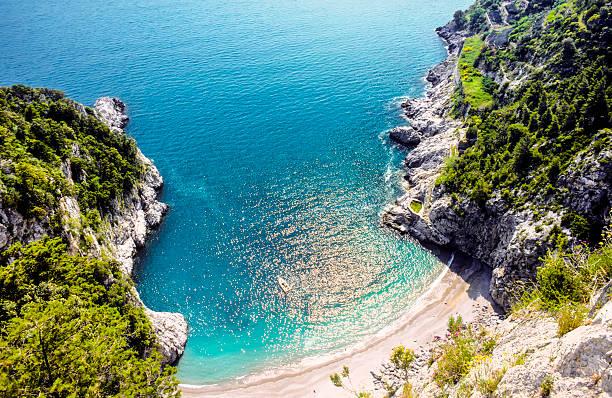 Schöner Strand am amalfitana in Italien – Foto