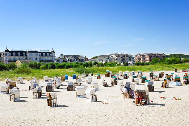 wunderschöne strand - wellness ostsee stock-fotos und bilder