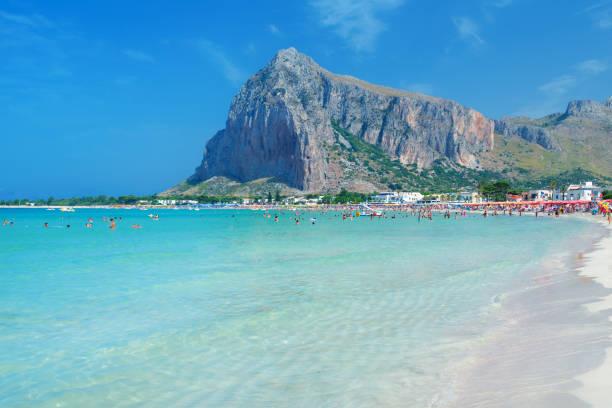 schöne strand san vito lo capo, sizilien, italien tyrrhenischen meer - sizilien strände stock-fotos und bilder