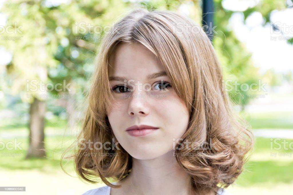 Belle fille blonde âgé de quatorze ans - Photo