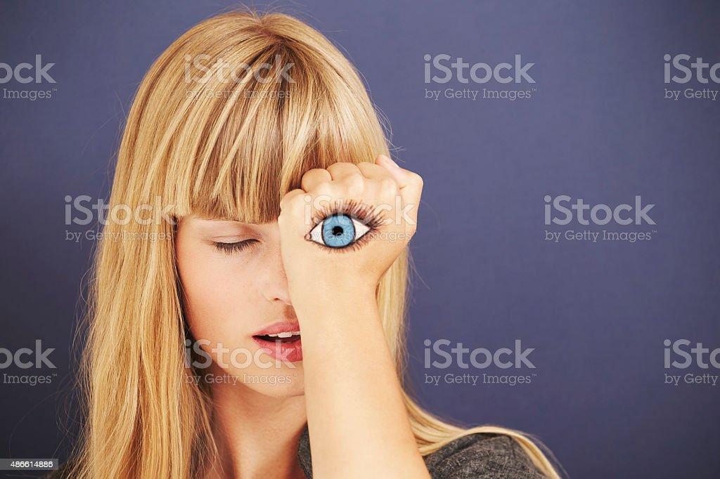 Schönes Blondes mit bemalten eye – Foto