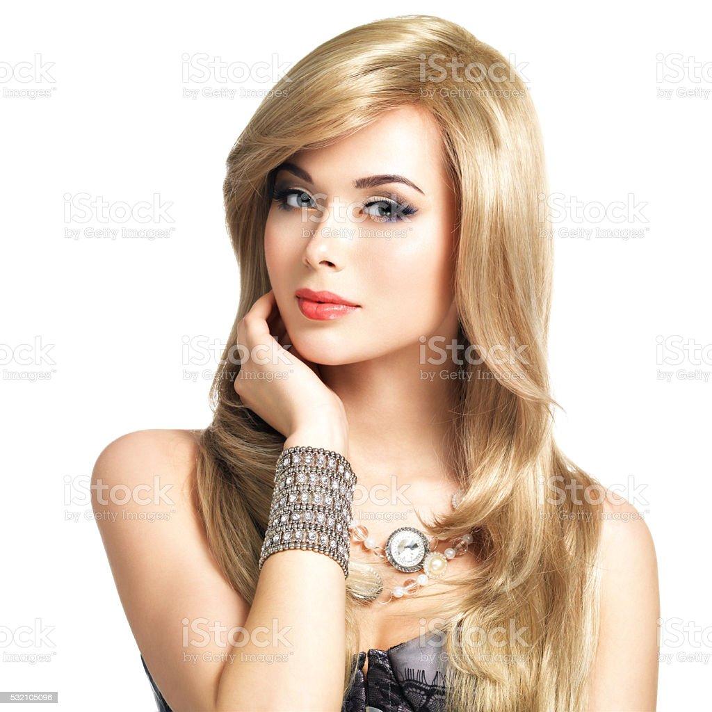 Piękne Blond Kobieta Z Długie Fryzura Zdjęcia Stockowe I