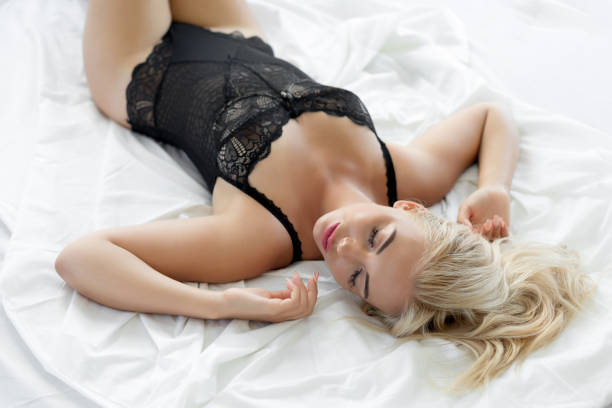 beautiful-blonde-girl-laying-in-bed-picture-id1182818203?k=6&m=1182818203&s=612x612&w=0&h=bDLggn54fHxYIwOgnv9aU09zJ_rShpRyBs4yXXK1FUU=