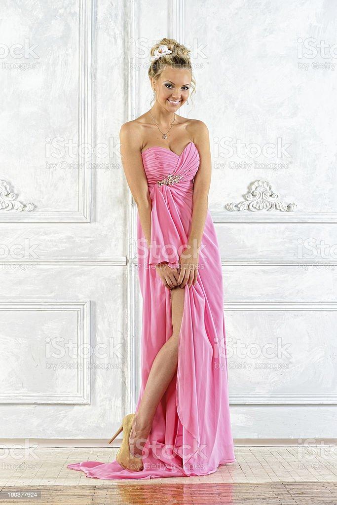 Stockfoto Schöne Und Blonde Einem Rosa Frau In Kleid Abend Lange WH2EDY9I