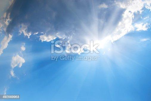 184857129istockphoto Beautiful blue sky 492569953