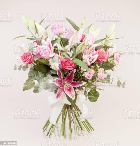 Beautiful bouquet picture id1207927233?b=1&k=6&m=1207927233&s=612x612&h=3xfhyq1diskihcicn3s ud6gemamwaludsjku xvdyq=