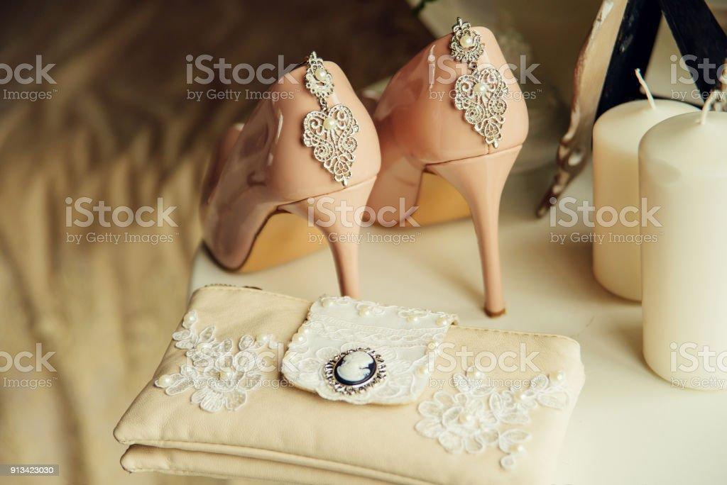 shoes, handbag, jewelry, bouquet