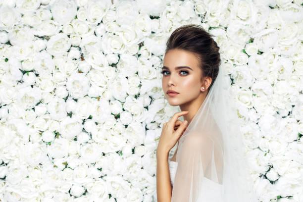 Beautiful bride picture id895806208?b=1&k=6&m=895806208&s=612x612&w=0&h=lbewghr3hfxllhnf5ex 1mpelgre5zeunl g 6hpm 4=