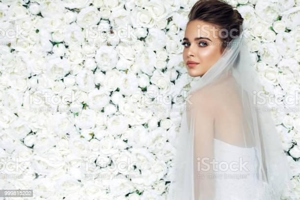 Beautiful bride picture id999815202?b=1&k=6&m=999815202&s=612x612&h=d5ynzirxy1 ddatg5iq m2q lbwxvo5 yyurv906ome=