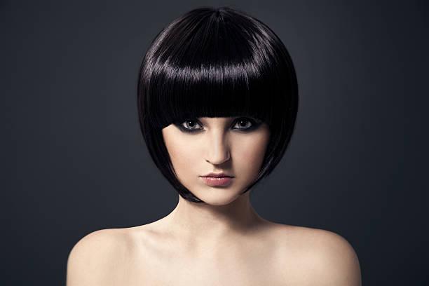 Schöne Brunette Girl.Healthy Hair.Hairstyle. – Foto