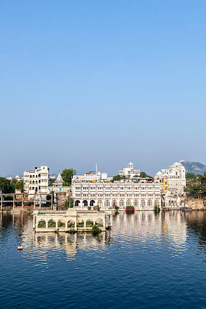 Beautiful building on the Lake in Udaipur, India Beautiful building on the Lake in Udaipur, India lake pichola stock pictures, royalty-free photos & images