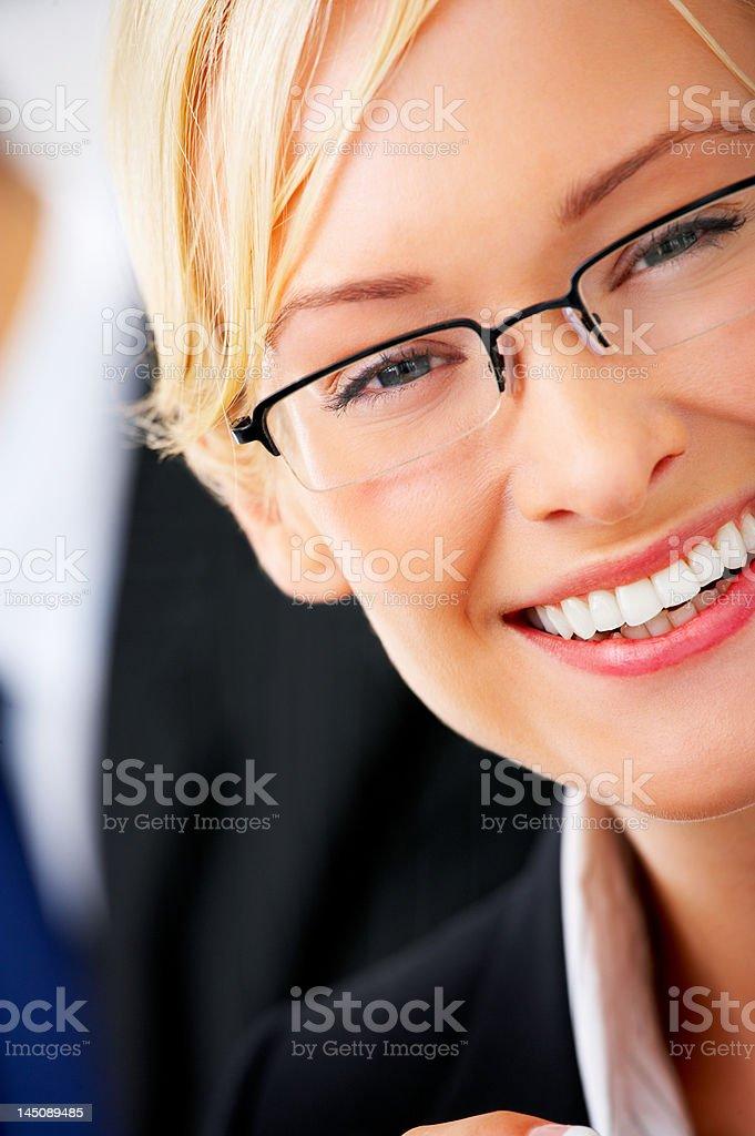 Schöne Geschäftsfrau lächelnd - Lizenzfrei 25-29 Jahre Stock-Foto