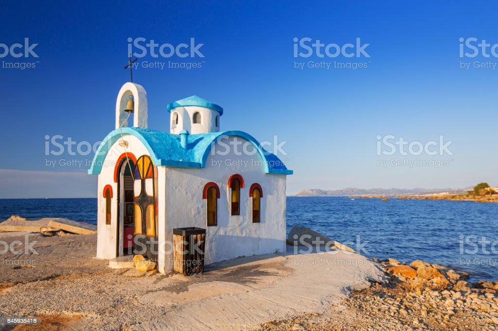 Beautiful chapel on the coast of Kato Galatas on Crete – zdjęcie