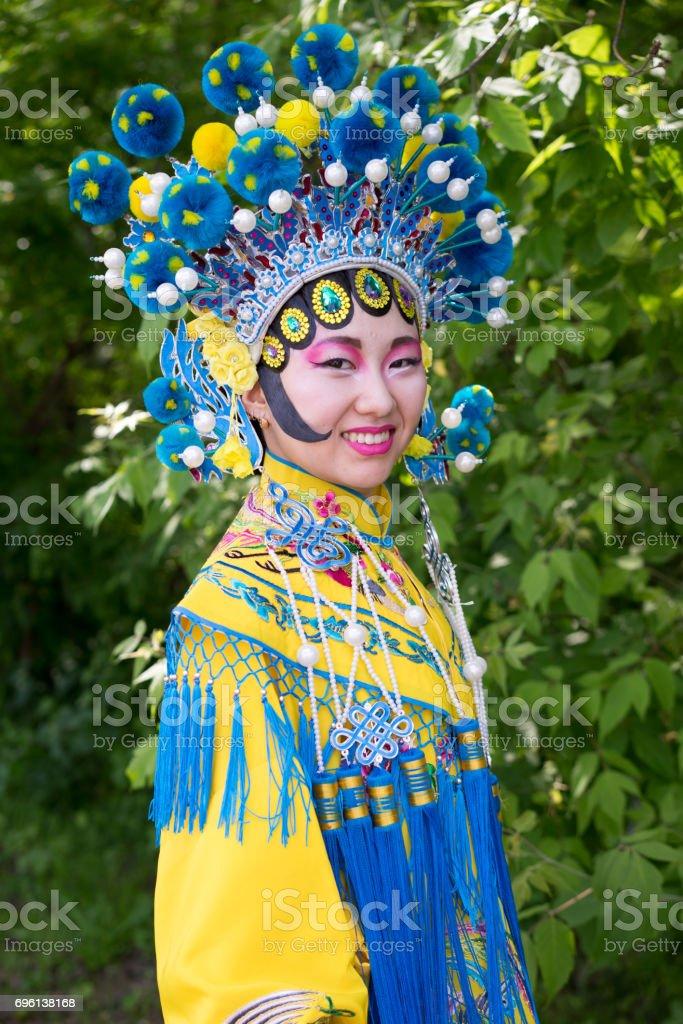 Dating traditionelles chinesisches Mädchen