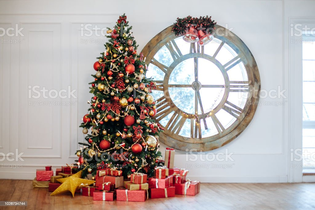 Boom In Woonkamer : Mooie kerst woonkamer met versierde kerstboom geschenken voor whate