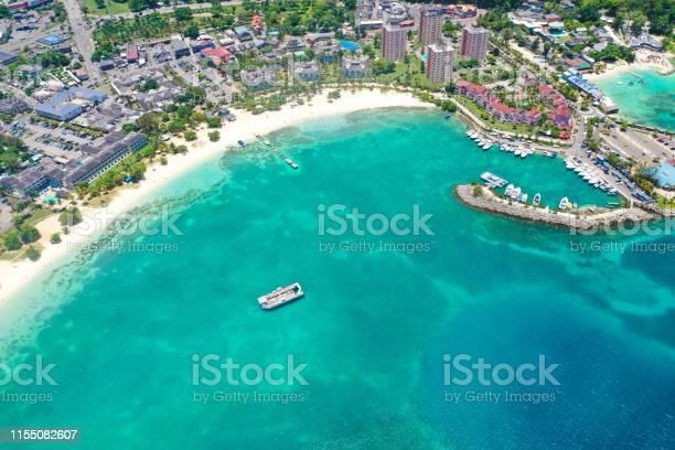 Beautiful city of ochos rios in jamaica picture id1155082607?b=1&k=6&m=1155082607&s=612x612&h=5j6tfvskow3o554 olumyk2skdoblnnafpljutrb62i=