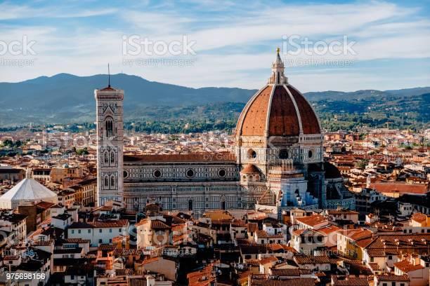 Beautiful cityscape and basilica di santa maria del fiore in florence picture id975698156?b=1&k=6&m=975698156&s=612x612&h=rptxq05cmqu9pcqyx7yxnxmgy0o94t466k3akcb1px4=