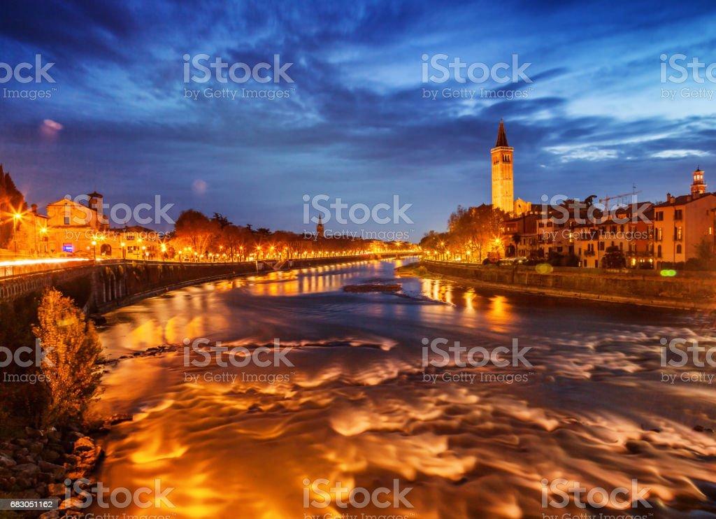 Beautiful cityscape. Verona at night. foto de stock royalty-free