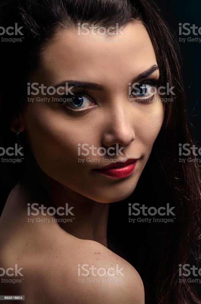 Um belo close-up em uma linda mulher - foto de acervo