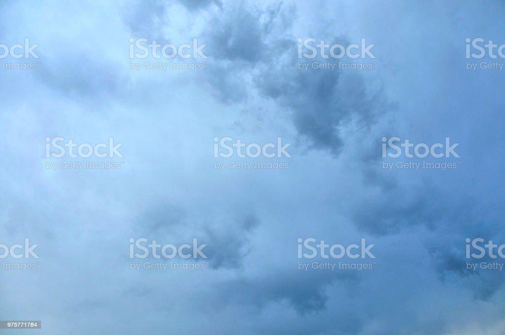 Schöne Wolken bei Sonnenuntergang - Lizenzfrei Abenddämmerung Stock-Foto