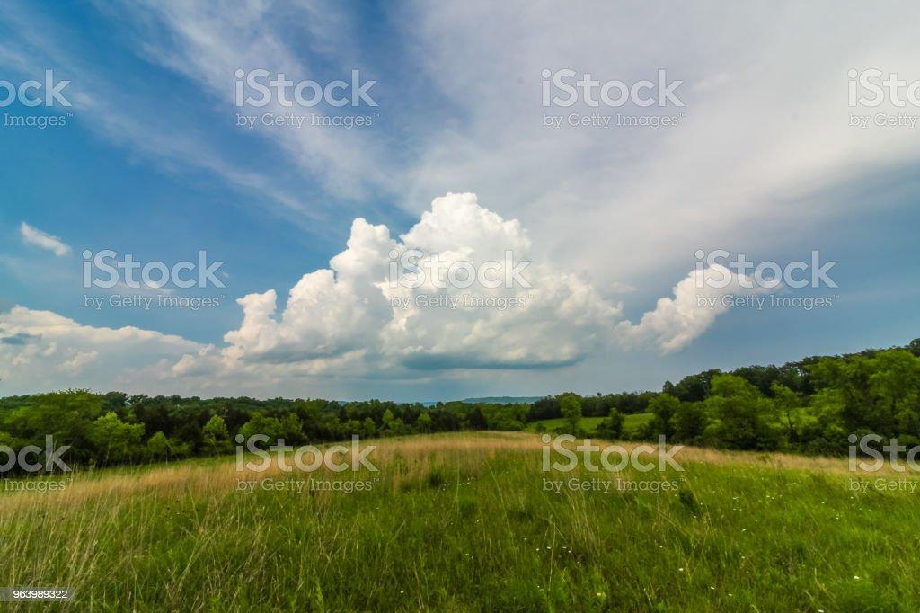 国の風景の美しい雲の形成 - アメリカ合衆国のロイヤリティフリーストックフォト