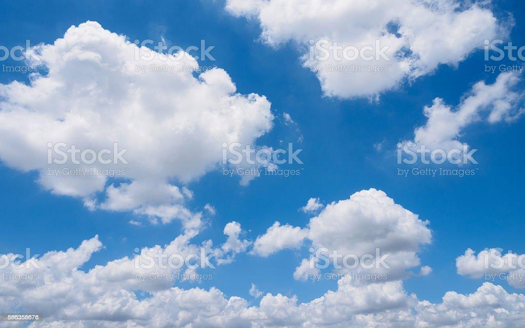 Belle nuvole e cielo - foto stock