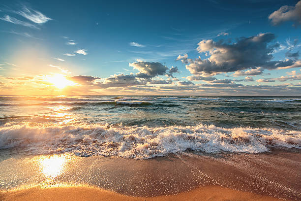beautiful cloudscape over the sea - hdri landscape stockfoto's en -beelden