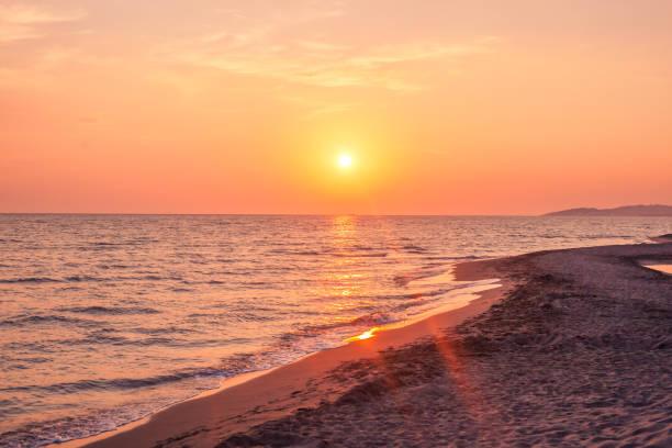 Beautiful cloudscape over the sea sunset shot picture id1031488628?b=1&k=6&m=1031488628&s=612x612&w=0&h=kcfmfxxmxqm 0modbxubszxoe0jysmozdlb3vrk8mai=