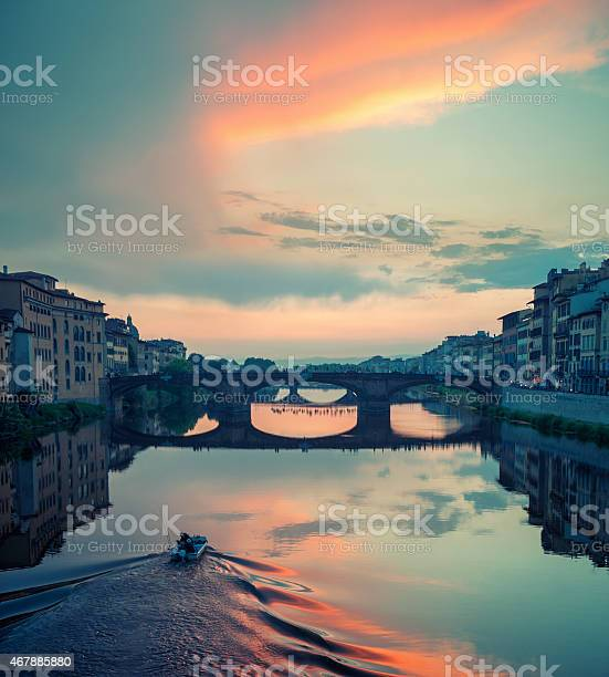 Beautiful cloudy sunset over s bridge in florence picture id467885880?b=1&k=6&m=467885880&s=612x612&h=iq8coskgjtuyycgolwki mv 7ys0oudraymww3sam k=