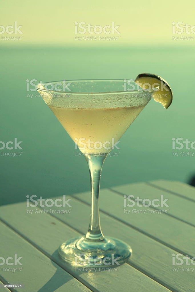 Bellissimo cocktail sulla spiaggia - foto stock