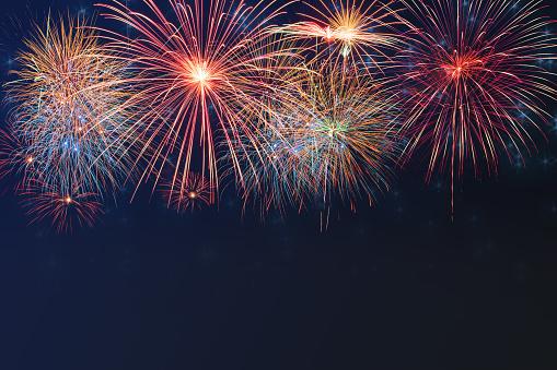 Beautiful Colorful Firework Display On Celebration Night - Fotografias de stock e mais imagens de Abstrato