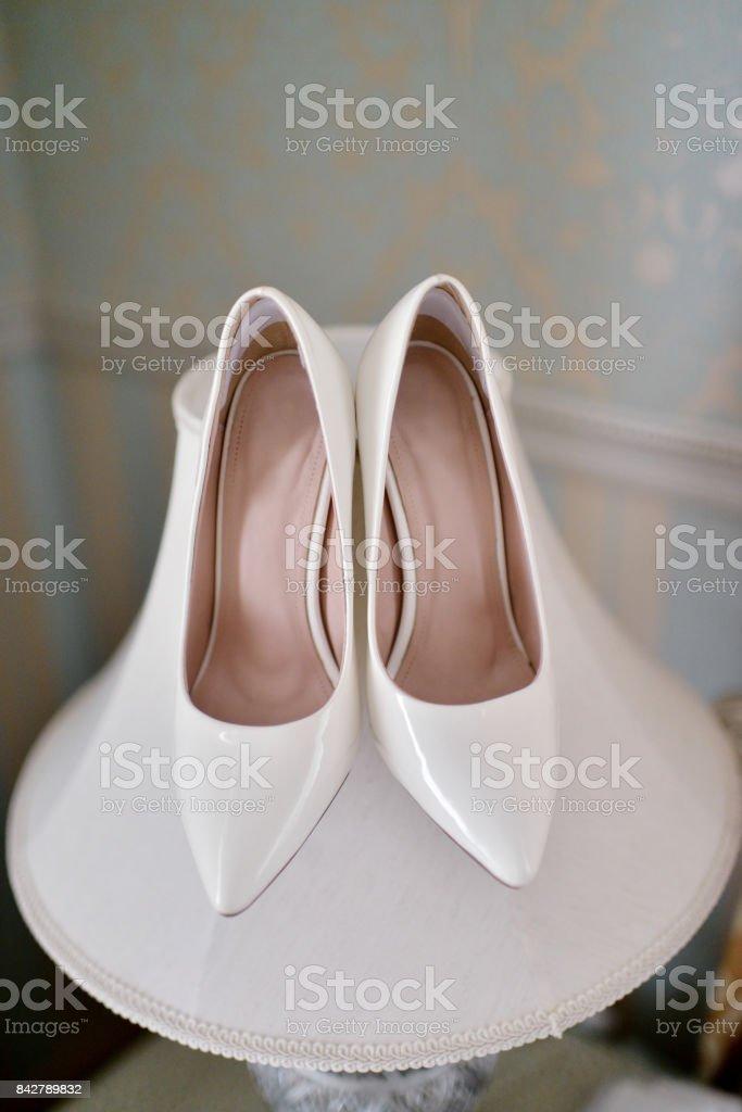 En El Interior Zapatos De Hermosa Boda Colorido Novia Foto Stock kXZiuPTO